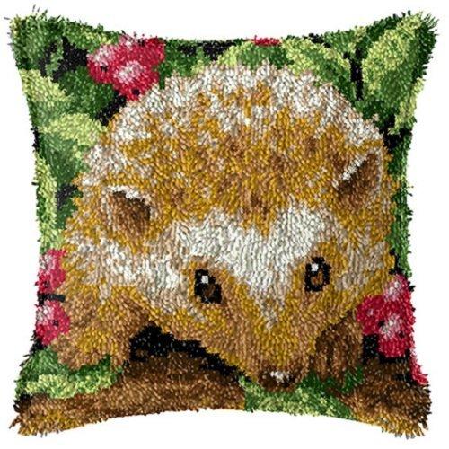 "Latch Hook Complete Cushion Cover Kit""Hedgehog in Berries"" 43x43cm"