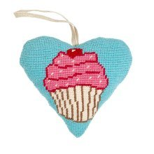 Cupcake Heart Tapestry Kit