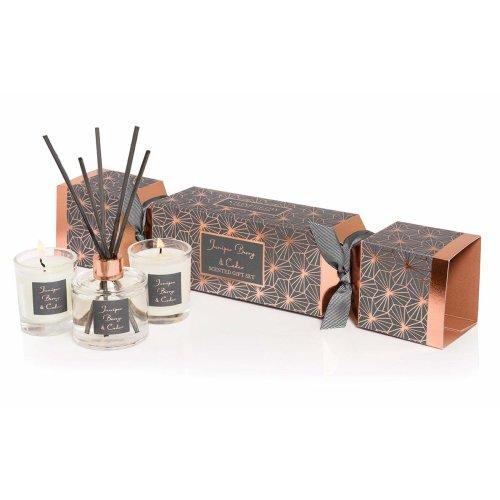 Stoneglow Seasoanl Cracker Gift Set - Junioer Berry & Cedar